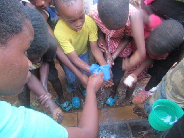 04- lavarsi le mani